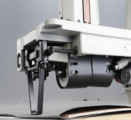 WR-982M<span>雙針滾輪送上直驅式羅拉車附輪型狗齒輪錢雙送式</span>